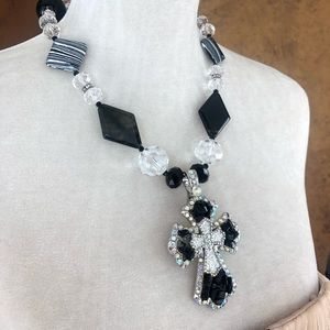 Jewelry - Large Beaded black and white necklace with cross